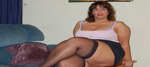 femme chaude au lit