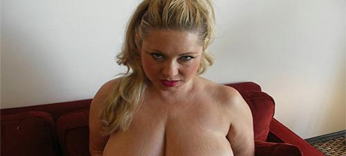 livia femme ronde blonde coquine