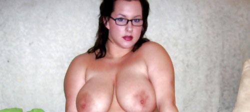 femme empotée nue célibataire