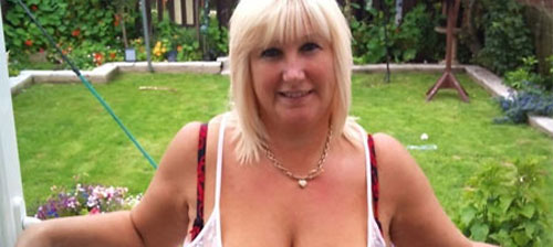 plan sexe avec blonde enrobée dans le 93