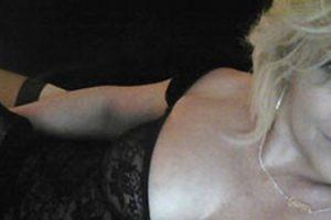 Zakia : mature ronde blonde très sexy et chaude pour un plan baise