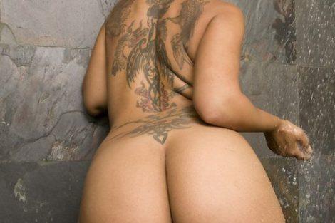 Ronde mature nue