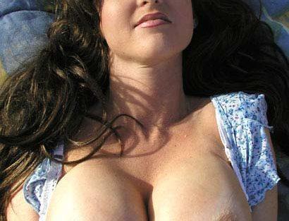 Magnifique mature ronde avec très beaux seins