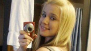 Myriam blonde ronde et coquine dans le 69