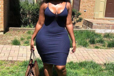 Jeune femme black avec belle robe